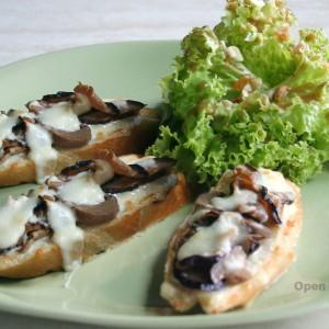 ECHOcafe Open Faced-Toast  -Mushroom